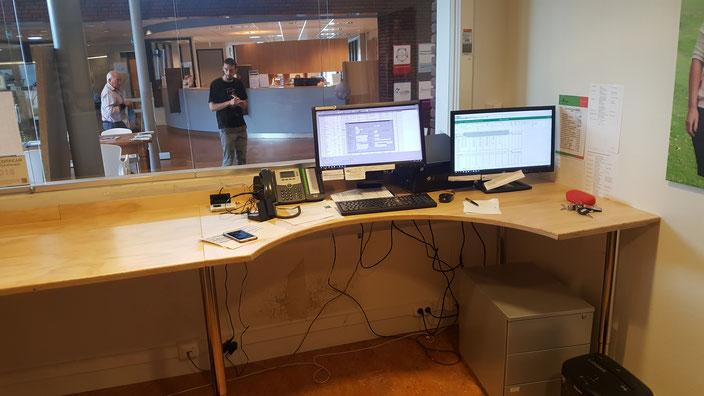 Hoog bureau gemaakt voor fysio praktijk
