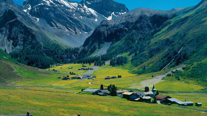 Weitwandern ohne Gepäck im Graubünden: Hüttentour von Davos nach St. Moritz