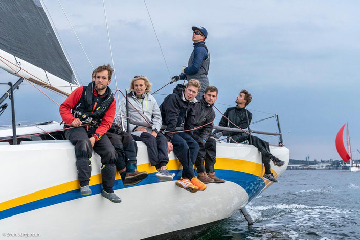 Hinnerk Müller in der Crew der GINKO. Gewinner des Sydbank Cup Kiel-Kopenhagen nach ORC B