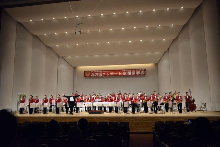 青森山田中学高等学校吹奏楽部集合写真