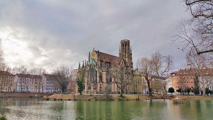 Йоханнескирхе на озере Feuersee — ворота в кварталы югендстиля на западе города