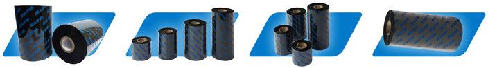 Schwarze Thermotransferbänder von SATO, stehend und liegend auf blauem Hintergrund