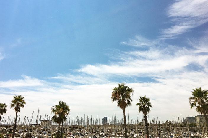 Schiffe am Hafen von Barcelona RiekesBlog.com