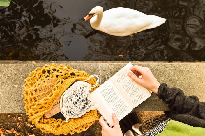 Titelbild: Dir selbst und der Umwelt etwas Gutes tun — Das hat Umweltschutz mit Selbstfürsorge zu tun | Werbung RiekesBlog