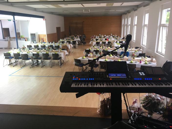Profi Hochzeitsmusik auf einer traditionellen Trauung und Hochzeit in Gaggenau , Bischweier, Waldprechtsweier, Gernsbach