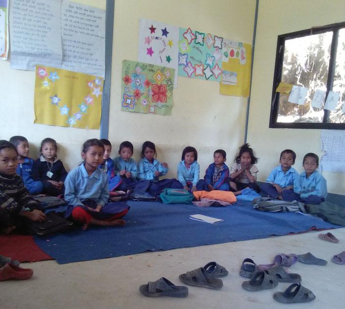 In den wiederaufgebauten Unterrichtsräumen