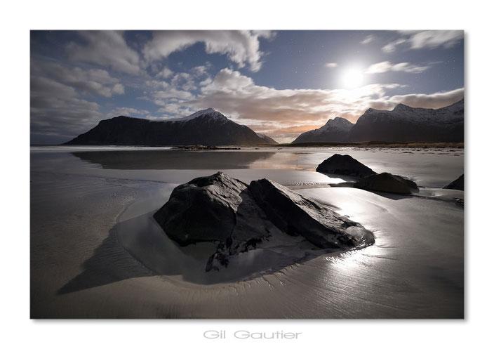 La mer , le sable , le rock .... et la lune
