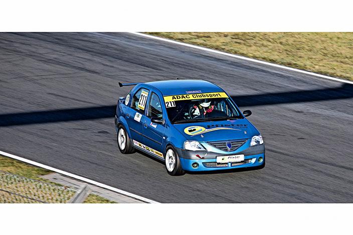Dennis Bröker ADAC Dacia Logan Cup Pfister Racing Motorsportarena Oschersleben