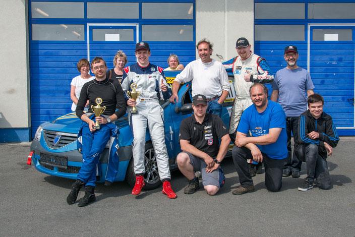 Dennis Bröker, Lucian Aron, Thomas Eckert, Wolfgang Kriegl, Mirek Göbel, Claus Gramlich, Pfister Racing Team Startnummer 211 3.Platz ADAC Logan Cup 2017