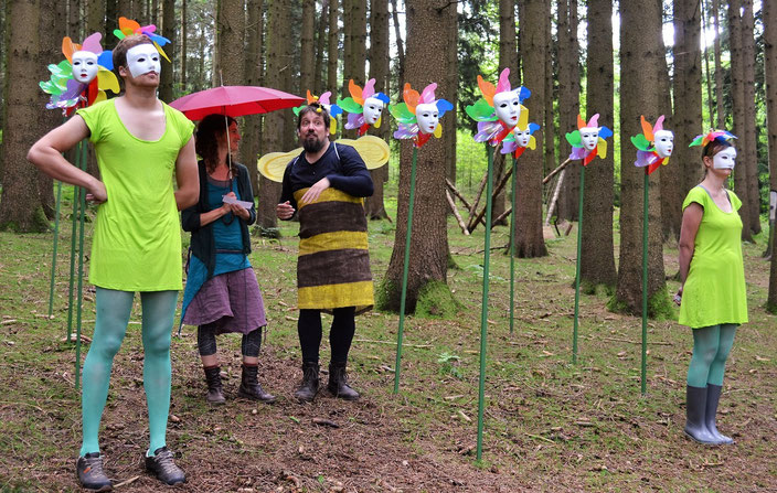 """""""Der Waldschrat auf der Suche nach dem Elixier"""" - Markus Nau als Biene"""