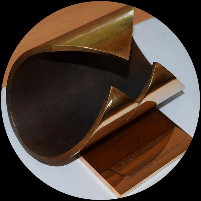 Médaille, plaque commémorative, trophée en bronze fondus par la Fonderie des Cyclopes, Mérignac, Bordeaux