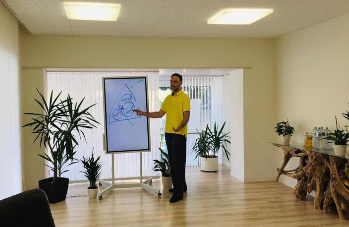 Moderne, professionelle und auf Ihre Bedürfnisse zugeschnittene Workshop- Lösungen