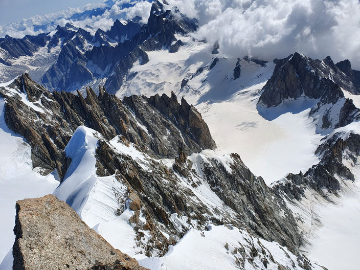 Hochtouren, Mont Blanc, Courmayeur, Chamonix, Mont Blan, Mont Maudit Kuffner, Kuffnergrat, Küffnergrat, Bivouac de la Fourche, Arete de la Brenva