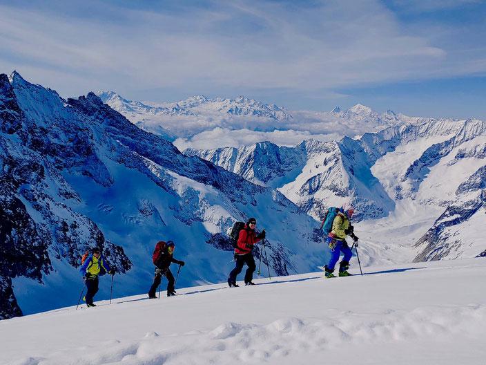 Aletschhorn, Rouenverlauf, Routenübersicht, Skitour, Skihochtour, Blatten, Belalp, Oberaletsch, Zustieg Oberaletschhütte im Winter, Wallis
