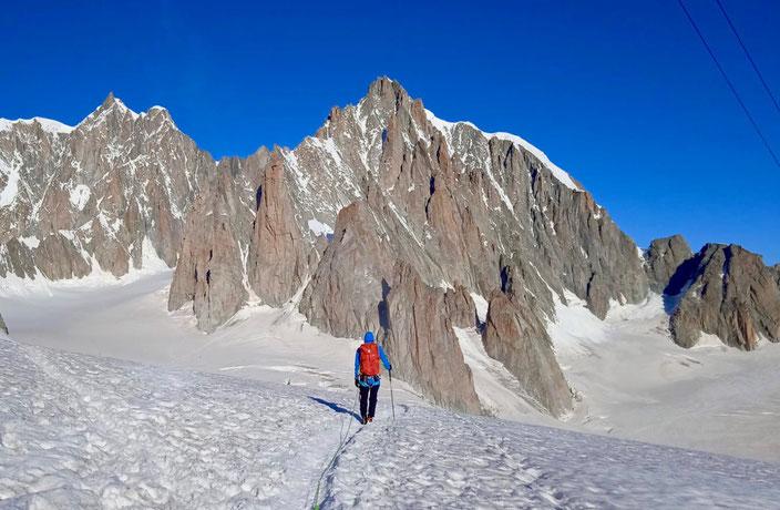 klettern, Mehrseillängen, Chamonix, Mont Blanc, Trad, Granit, Grand Capucin, Schweizerführe, Voie des Suisses, O Sole Mio, Schweizerroute, Swiss route, Bergschrund, Zustieg, Mont Blanc du Tacul