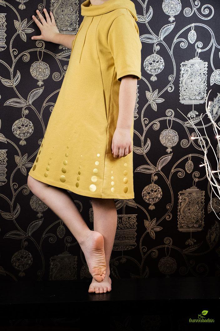 Janne Dress von Compagnie M. aus Sweatstoff von Elvelyckan Design