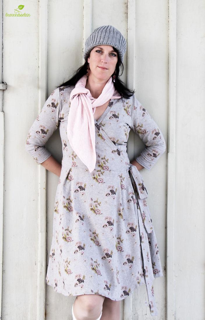 Wickelkleid Diane aus Biojersey Greta von lillestoff