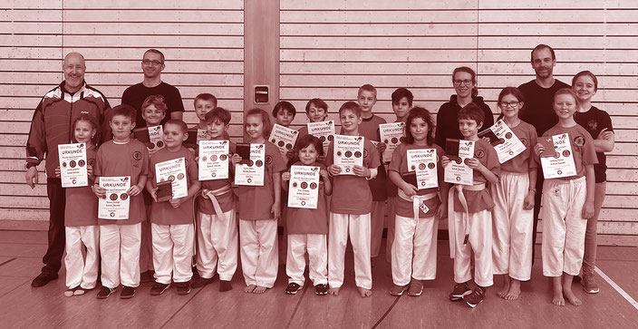 Impressionen von der Jahresabschlussprüfung Karate