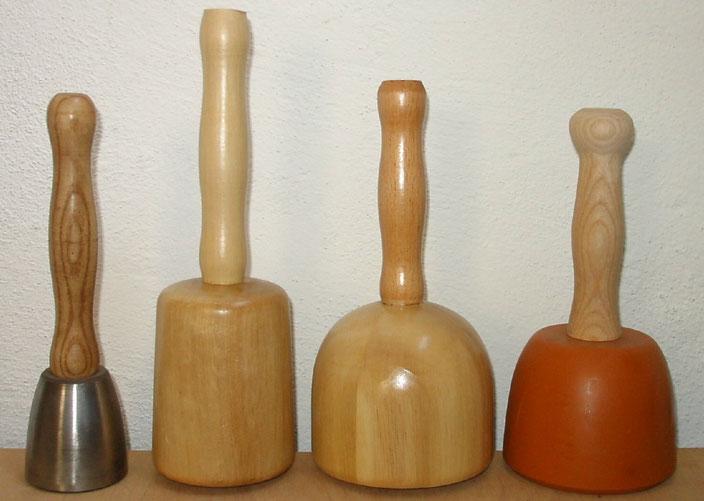 Klüpfel aus Stahl, Holz und Kunststoff