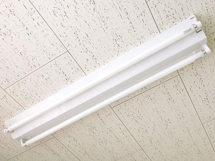 修理(安定器交換)が終了した照明器具(天井直付け型)