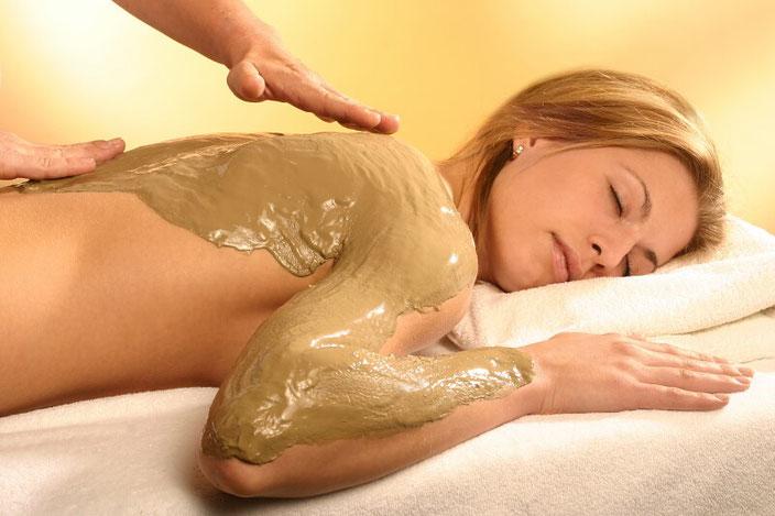 Fango Wärmeanwendung bei Rückenschmerzen
