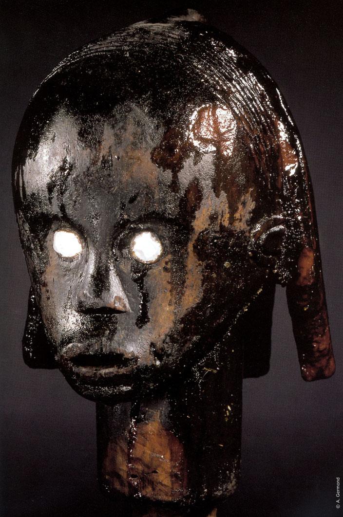 Head of an ancestor, Byeri, Fang, Gabon • Musée d'ethnographie de Neuchâtel, Switzerland • Inv. #MEN III C 7400 • H. 26/48 cm