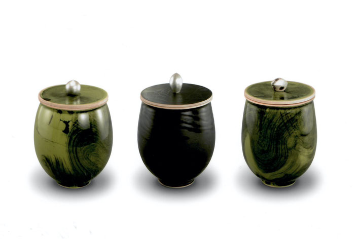 2006 Boxes with silver knob, turned