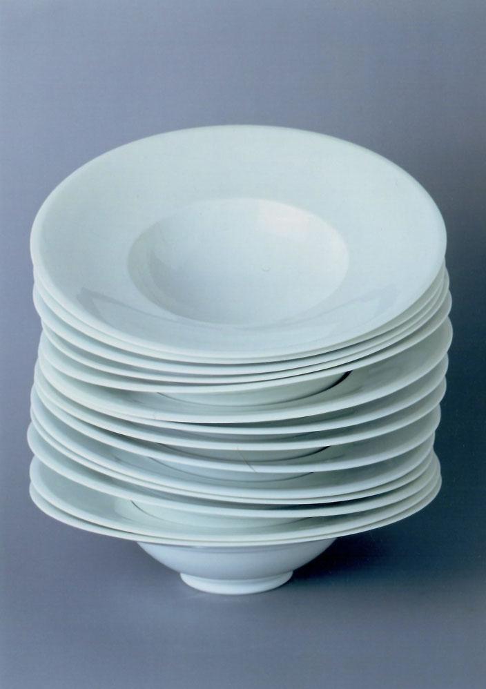"2001 Pasta plate ""Donato"" porcelain Photo: Bernd Kuhnert"