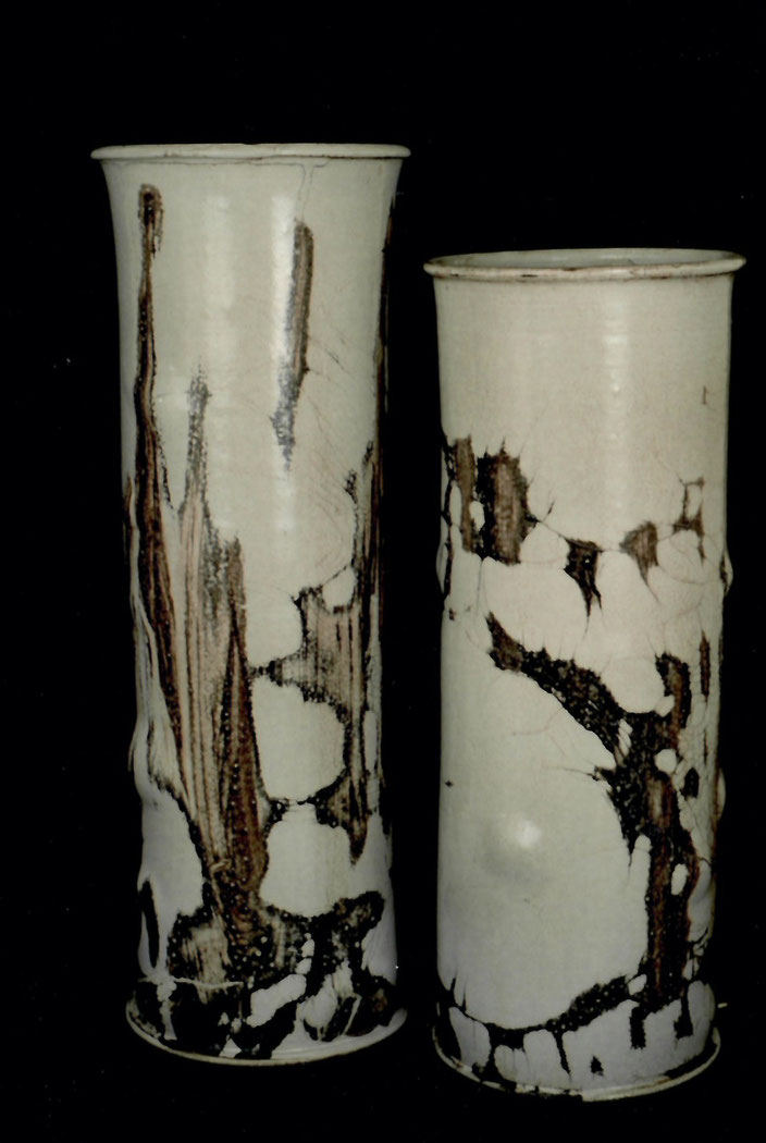1999 Vase 33cm / 35cm turned, white glaze with black craquelé Photo: Bernd Kuhnert