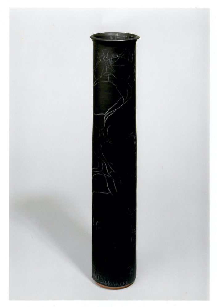 "2003 Vase ""Cylinder"" 52cm, turned, black glaze with white craquelé / Photo: Bernd Kuhnert"