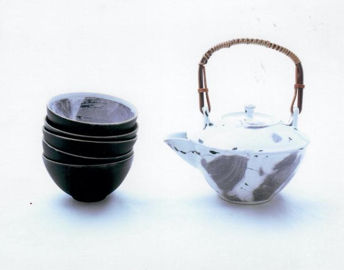 2006 Tea set , twisted, white glaze with black craquelé, series metro collection