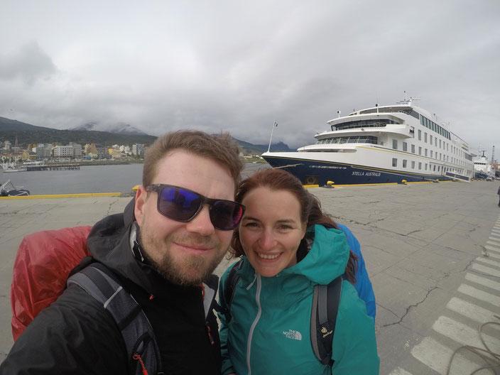 Boarding Stella Australis im Hafen von Ushuaia.