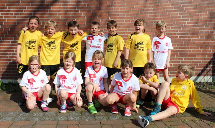 Die bestens gelaunte Hombrucher F-Jugend beim Spielfest in Nette. (Text/Foto: Verein)