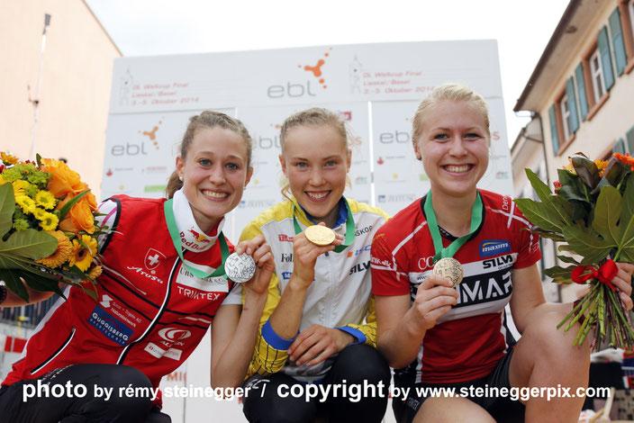 2014 - Gesamtweltcup Podest. Mit diesen 2 Damen Tove Alexandersson und Maja Alm standen wir oft zu dritt auf dem Podium, immer wieder in einer anderen Reihenfolge.