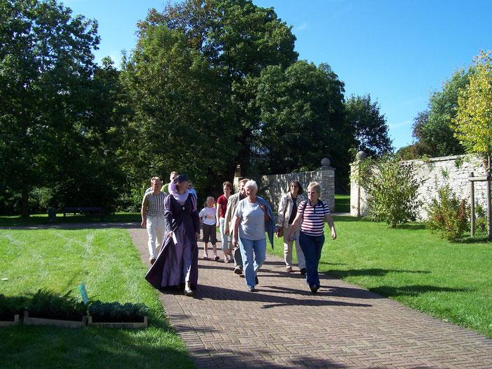 """Eine Führung durch das """"Grüne Schöningen"""", hier im Schlossgarten"""