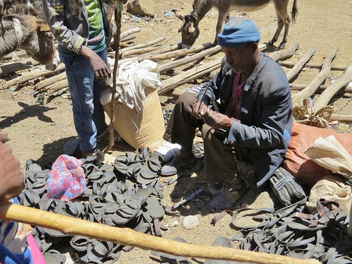 Schuhe aus Autoreifen Äthiopien grenzenlosunterwegs
