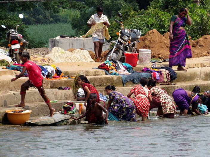 Wäscherinnen am Ganges