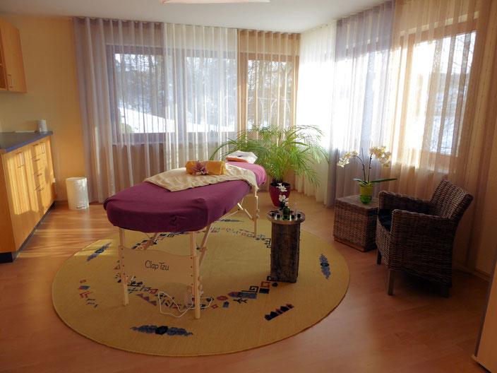 YOGA & MEHR Calw - Yoga Studio Yoga Raum in Calw - Massageraum