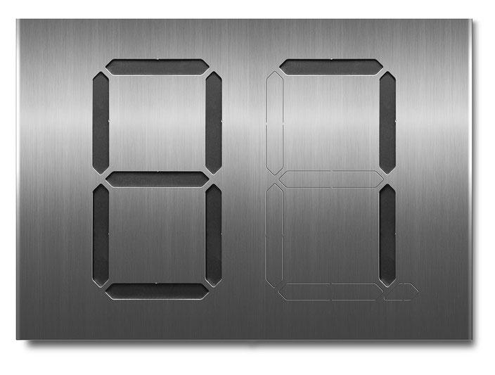 """Segment-Hausnummer """"87"""" schwarz hinterlegt"""