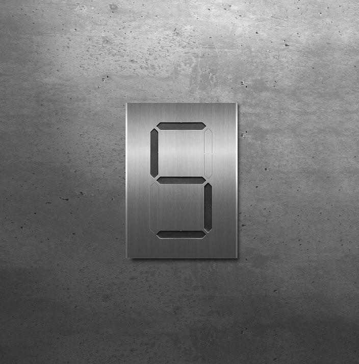 """Segment-Hausnummer """"5"""" schwarz hinterlegt"""