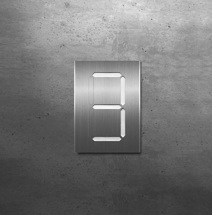 """Segment-Hausnummer """"3"""" weiss hinterlegt"""