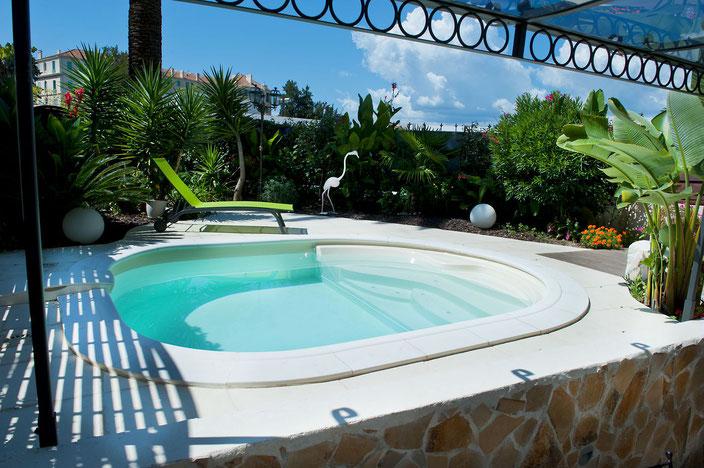 Schwimmbecken Lola, Garten Schwimmbecken, Garten Pool, Garten, Pool, Schwimmbecken, Pacio Treppe, Wellness Treppe