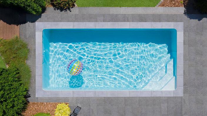 rechteckbecken, pool klassiker, treppe square, innenliegende pooltreppe, garten, schwimmbecken, 1