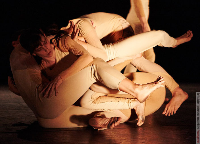 bolsa dance performance hauert