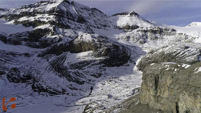 Wildstrubel, Wildstrubelgletscher, Breiteis, Gemmipass, Berner Oberland, Wallis, Lämmerenhütte SAC, Lämmerengrat, Lämmerenhorn, Lämmerengletscher, Lämmerensee, Lämmerenboden, Lämmerenjoch, Schneehorn, Engstligenalp, Adelboden, Leukerbad, Daubenhorn, Gemmi