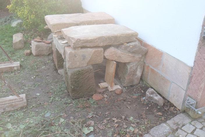 Lehmbackofen Unterbau Fundament Sandsteintisch Ofentisch