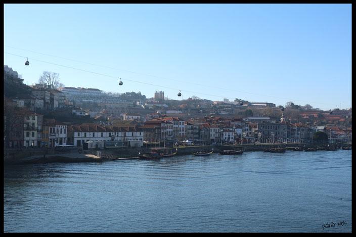 Ausblick auf Villa Gaia de Nova und die Portweinkellereien