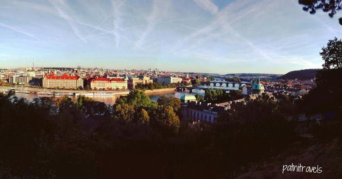 Wunderschöne Aussicht über die Moldau