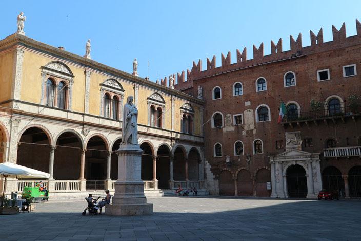 Piazza dei Signori Verona must see