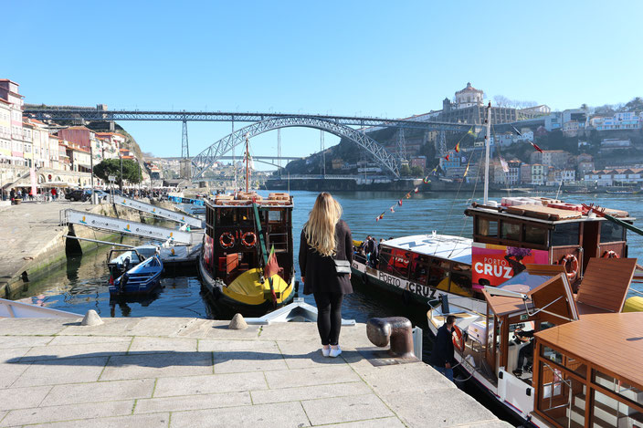 Am Ufer von Porto mit Blick auf die Brücke Louis I.